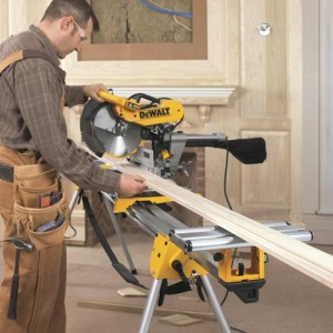 DeWalt DWS780 in action with the DWX723 stand